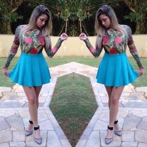 Saia godê azul céu combinada com body! Lindos! A saia pode ser encontrada na Riachuelo e o body lindo no site www.youandmerecife.com.br